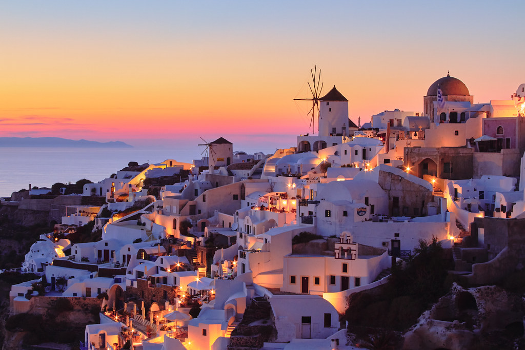 Top 8 best things to do in Santorini, Greece